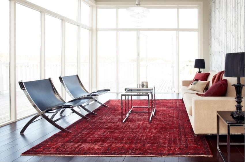 moderne-kamer-rood-kleur-perzische-tapijt